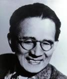 初代会長 岩橋武夫の写真
