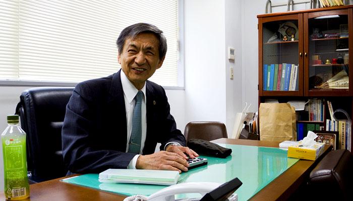 日本視覚障害者団体連合 竹下義樹会長(会長室にて撮影)